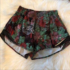 Lululemon shorty Hot shorts Tall